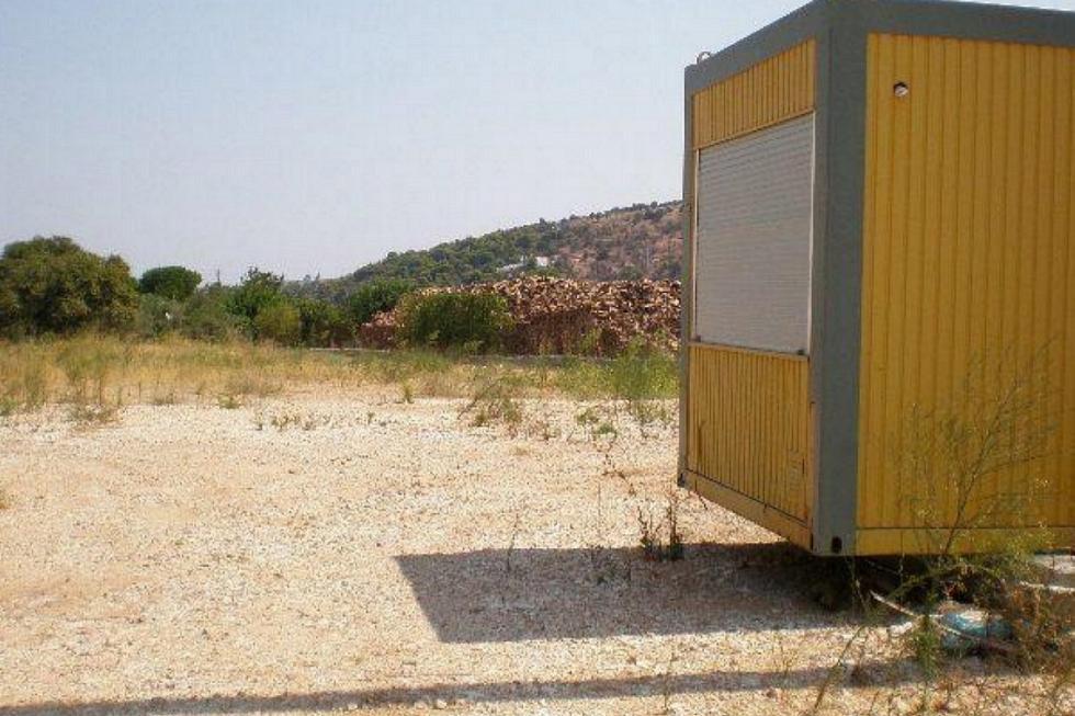 Σπάτα οικόπεδο 3.900 τ.μ προς πώληση