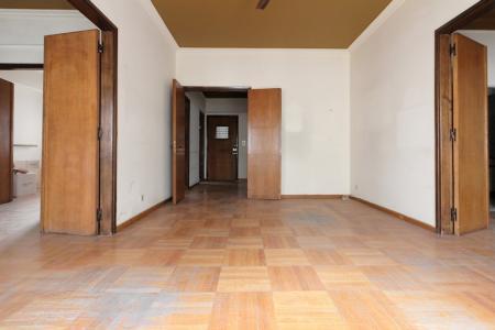 Κολωνάκι διαμέρισμα 220 τμ προς πώληση
