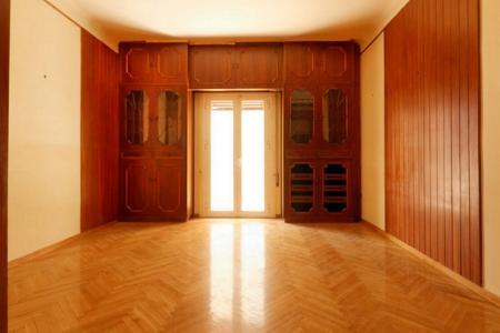 Κυψέλη γωνιακό διαμέρισμα 90 τ.μ προς ενοικίαση