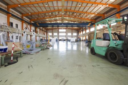Μάνδρα ενοικίαση βιομηχανικής αποθήκης 2.000 τ.μ