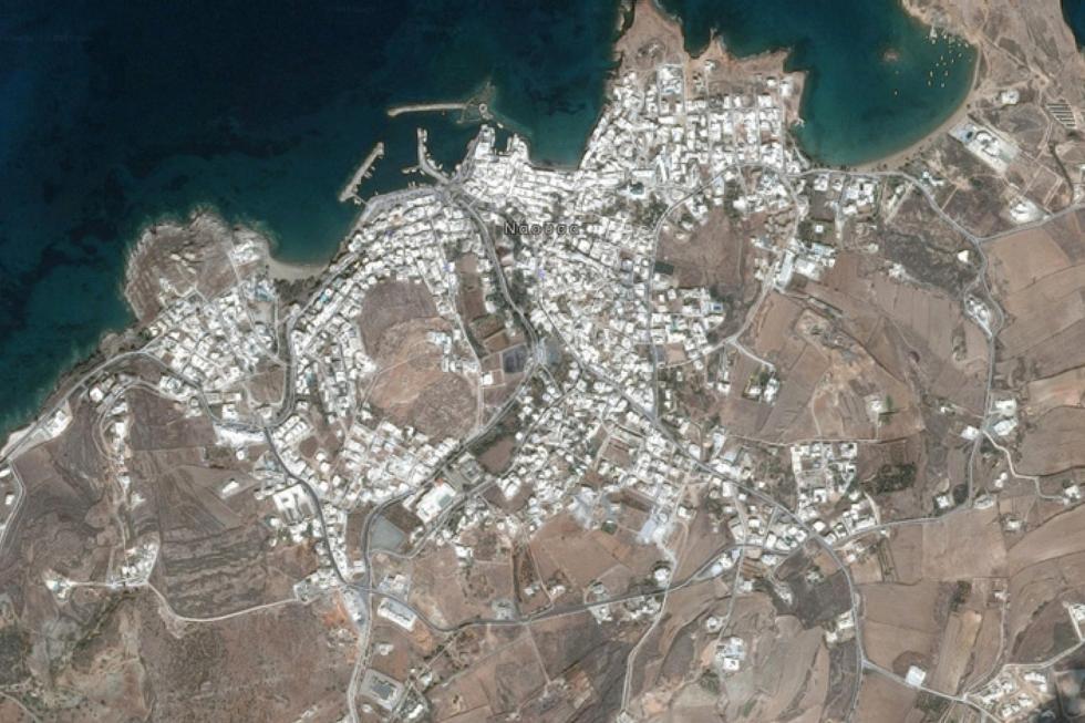 Νάουσα Πάρου οικόπεδο 1.000 τ.μ προς πώληση