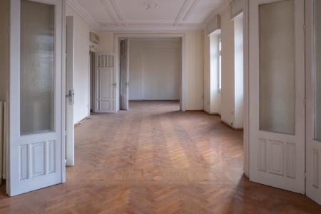Νεοκλασικό κτίριο 2.000 τ.μ πωλείται, Αθήνα